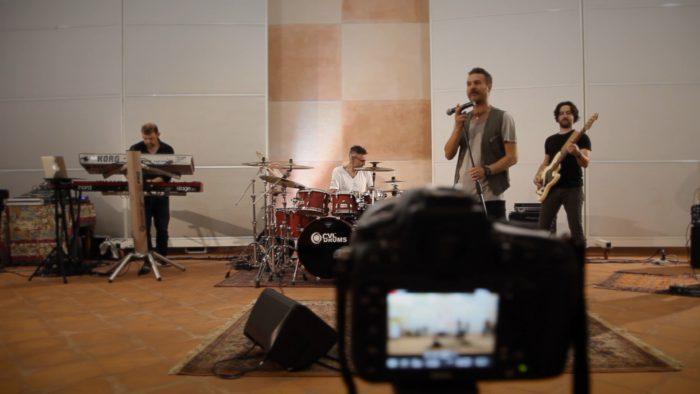 Domenica il nuovo videoclip